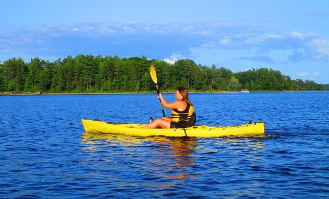 Image of a woman in a kayak on the Ottawa River