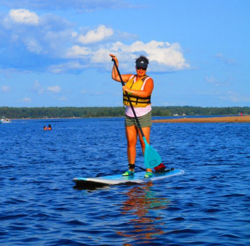 Image of a woman on a SUP board on the Ottawa River