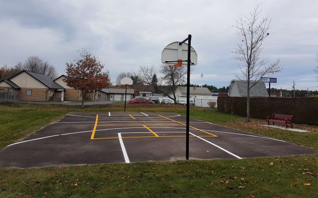 Photo of basketball court at Pine Ridge Park with new pickleball lines